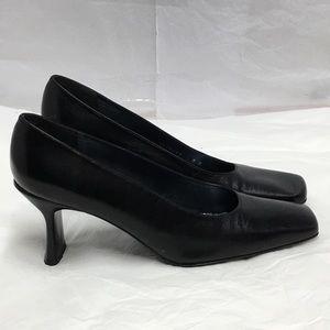 Stuart Weitzman Black Leather Stacked Heels SIZE 9